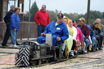 Photo: Peter Bryan, about to leave the station.   HALS Run Day 2009-1121