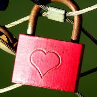 l'amore...vincolo o evasione? di