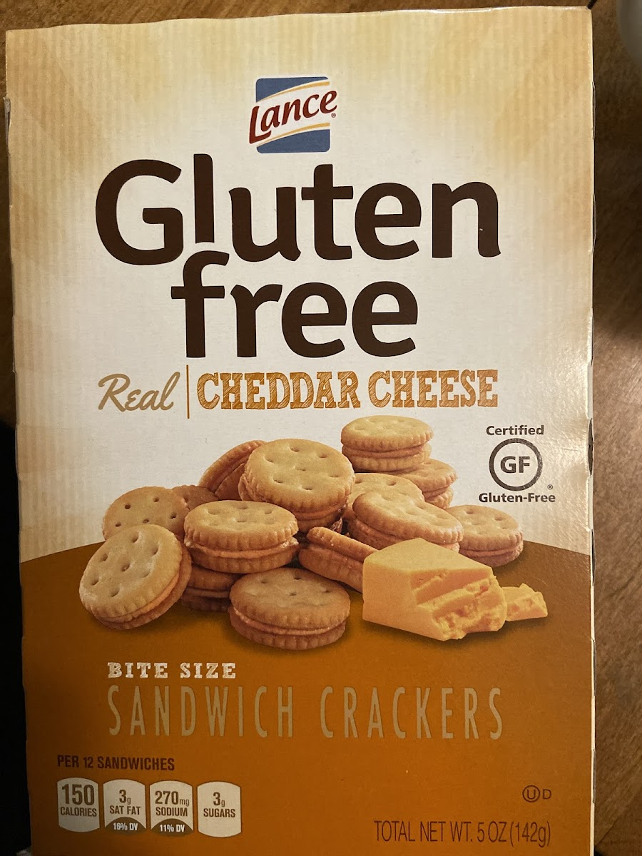 Bite Size Sandwich Crackers, Real Cheddar Cheese