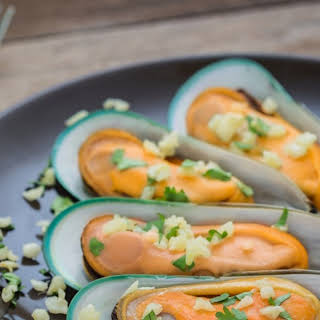 Mussels with Garlic Butter.