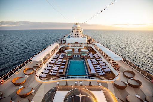 The pool deck on Seven Seas Splendor.