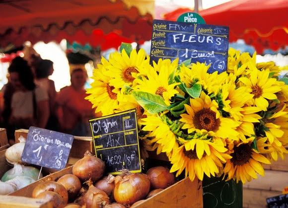 Рынки в Экс-ан-Провансе - традиционные барахолки, продуктовые и блошиные рынки. Время и место проведения рынков в Эксе. Что где купить в Эксе, путеводитель