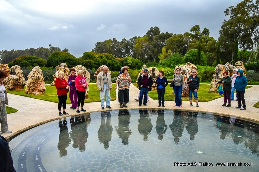 Экскурсия с гидом в Израиле Светланой Фиалковой на мемориале солдатам, погибшем при крушении вертолетов около Шаар Ишув.