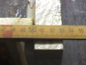 Photo: wymierzanie łączyny bocznej w przypadku Dadantajakiego ja robie  łączyna ma długość 53cm uzaleznione jest to od grubości ocieplenia bocznych ścian u mnie 30mm