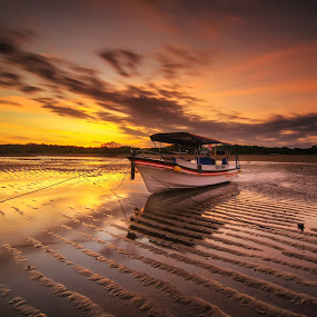 the lines by I Made  Sukarnawan - Transportation Boats ( sunset, ship, lines, sunrise, travel, boat, landscape )