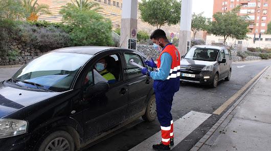 Almería vuelve a ser la tercera provincia andaluza con más positivos diarios