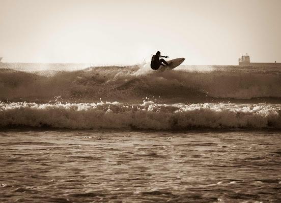 surfista in ombra di piera_pi