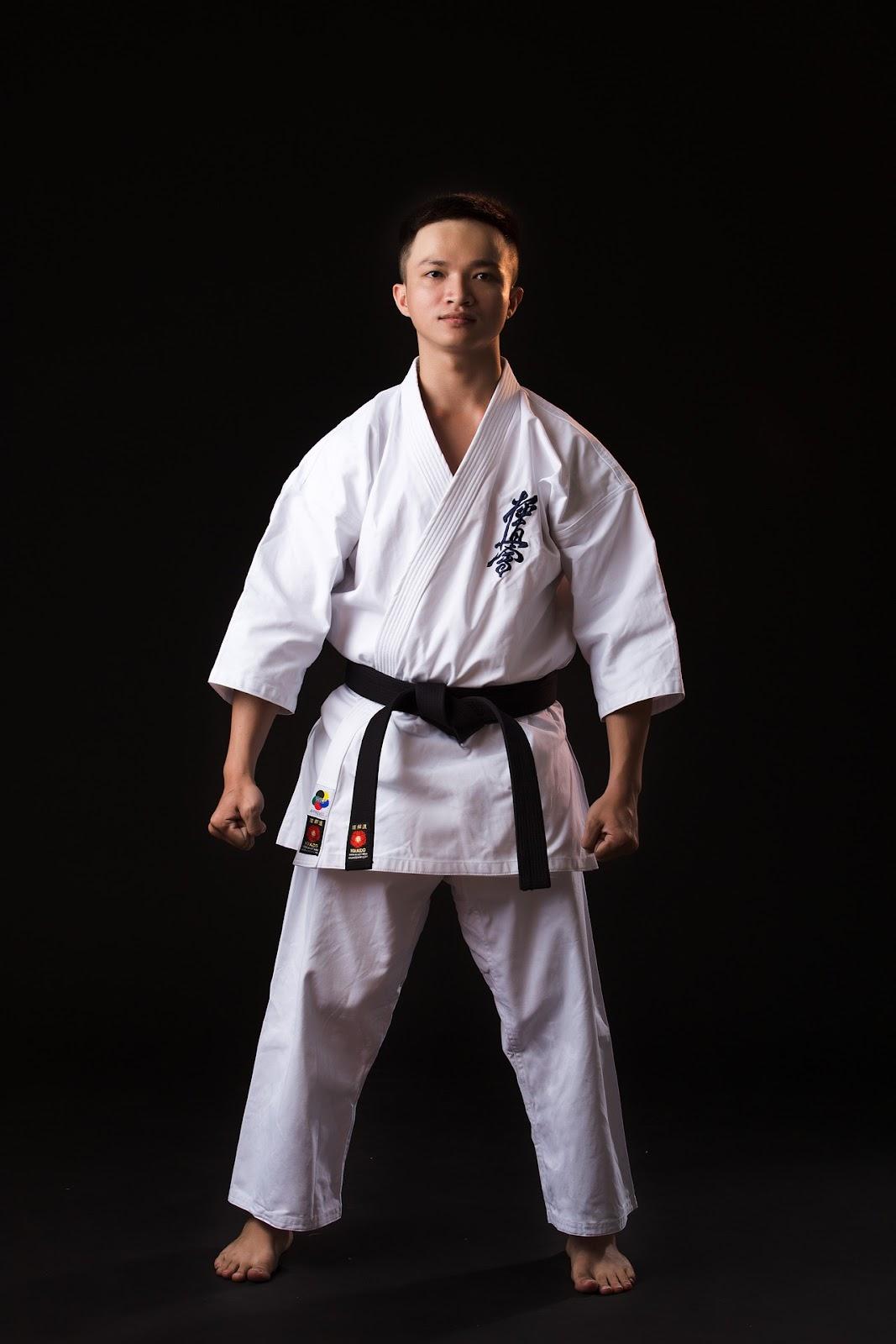 karate stances - basic Karate ready stance