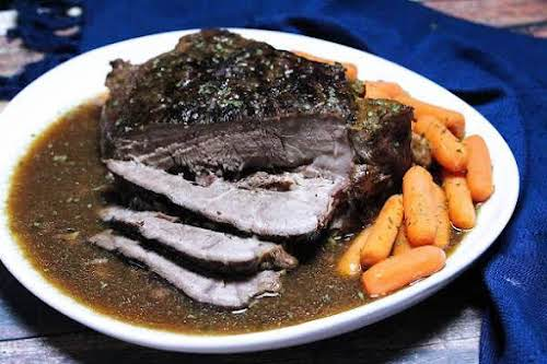 """4 Ingredient Fix It and Forget It Chuck Roast""""Super easy slow cooker..."""