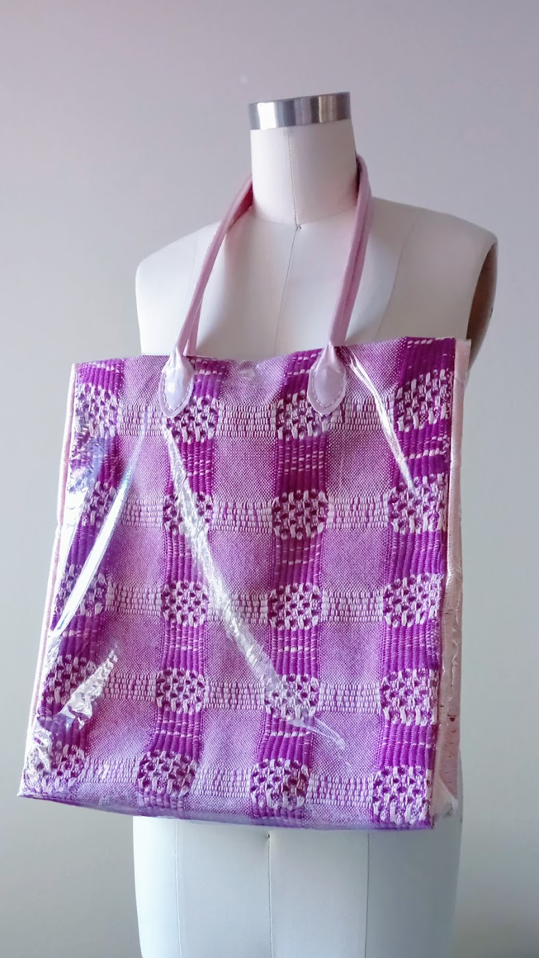 Handwoven tote bag with vinyl cover - DIY Fashion project | fafafoom.com