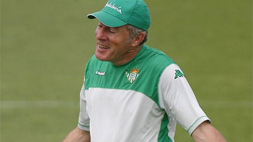 Luis Fernández en su etapa en el Betis.