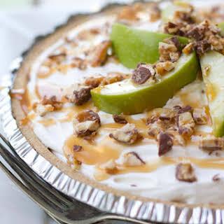 Snicker caramel apple pie {YUMMY}.