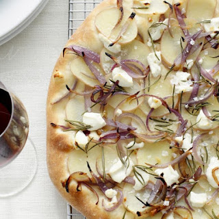 PIZZA WITH POTATO AND GOAT CHEESE