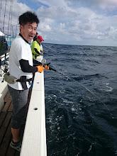 "Photo: おーっと、「根魚大好き」の""モリスギさん""! 朝イチからインチク? 「冗談じゃない!ジギングで青物バンバンさーっ!」"