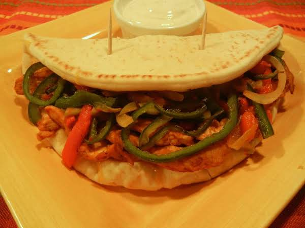 Triple Pepper Chicken Fajita Flatbreads Recipe