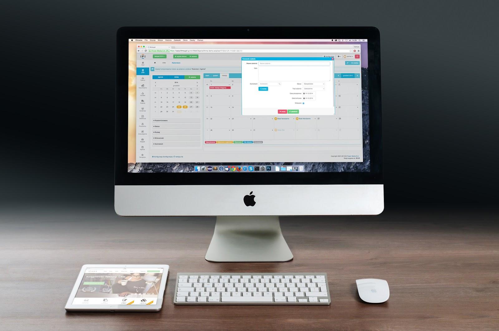 apple-imac-ipad-workplace-38568.jpeg