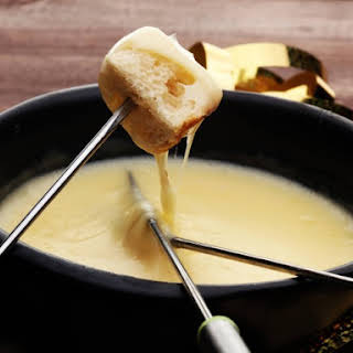 Slow Cooker Fontina And Gruyere Cheese Fondue.