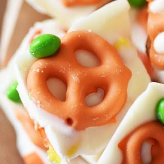 Pumpkin Pretzel Candy Bark