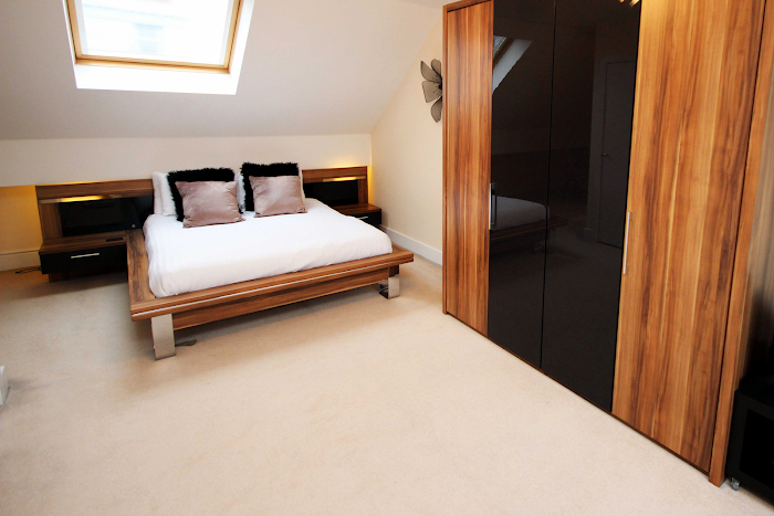 Superior bedroom in Lime Square