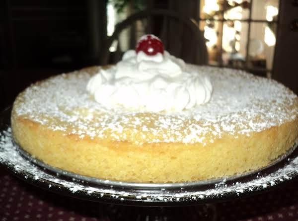 Creamy Lemon Butter Cake