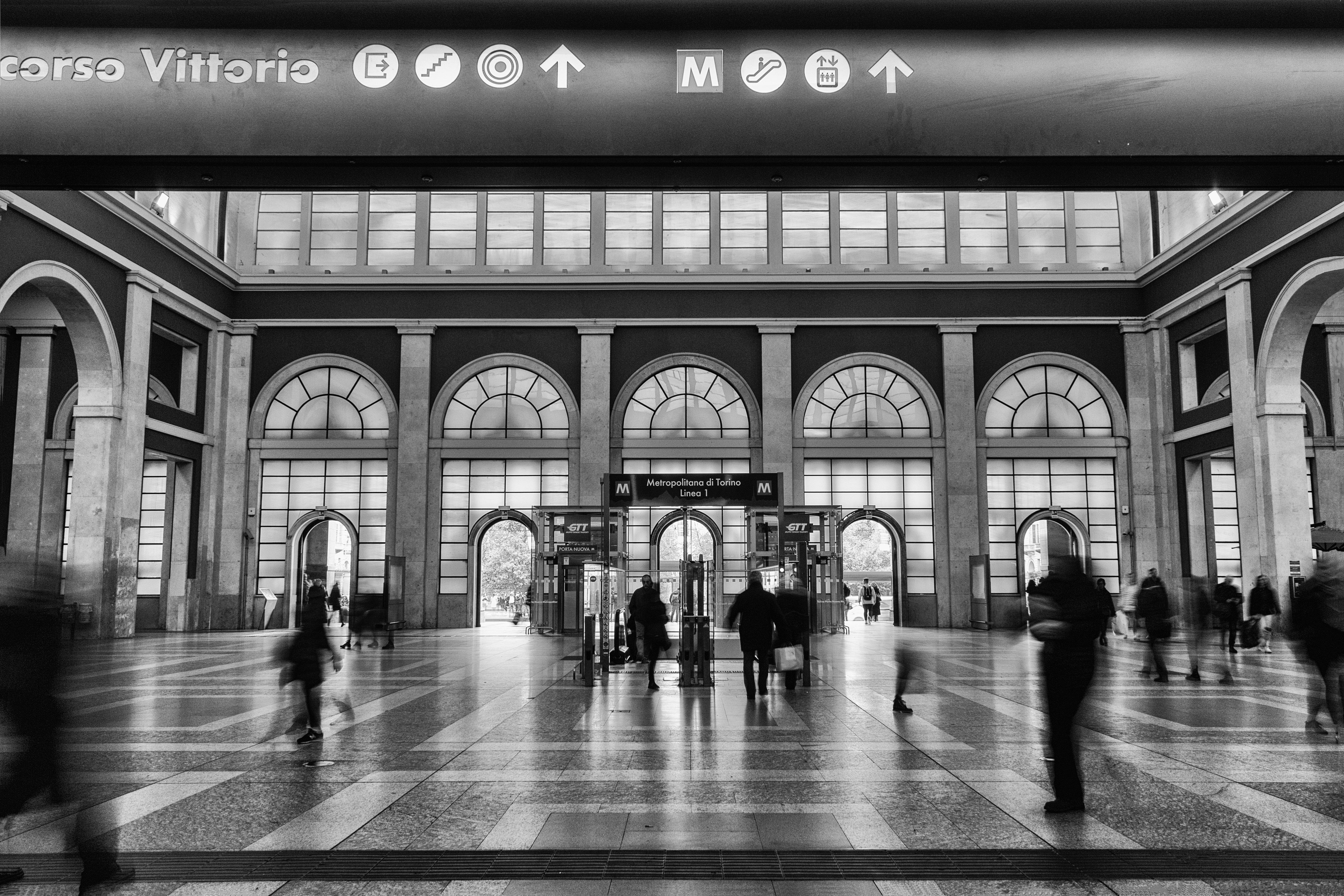 Walking in the station di Davide_79