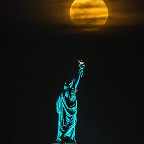 by Robert Gallucci - City,  Street & Park  Night ( statue of liberty, moon, new york )