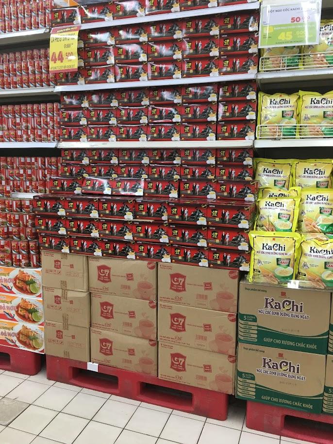 スーパーで大量に売られているTrung Nguyenのスティックコーヒー