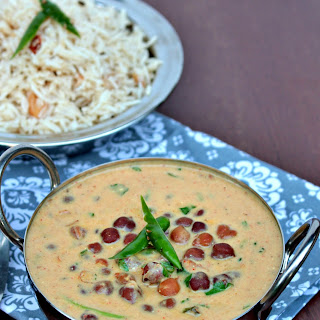 Jaisalmeri Chana | Black Chickpeas in Yogurt Gravy.