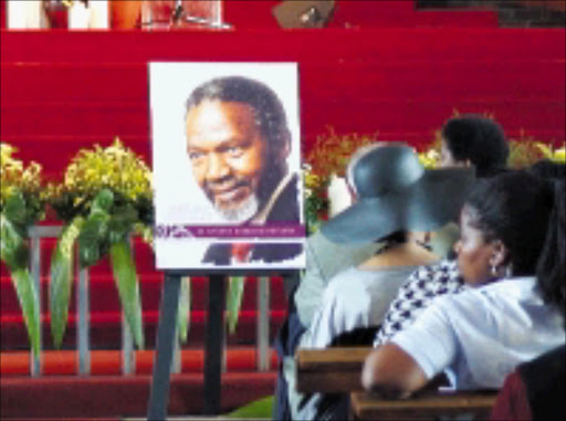 GREATLY MISSED: Mourners at Nthato Motlana's memorial in Soweto yesterday. 04/12/08. Pic. Thobeka Magcai. © Unknown.