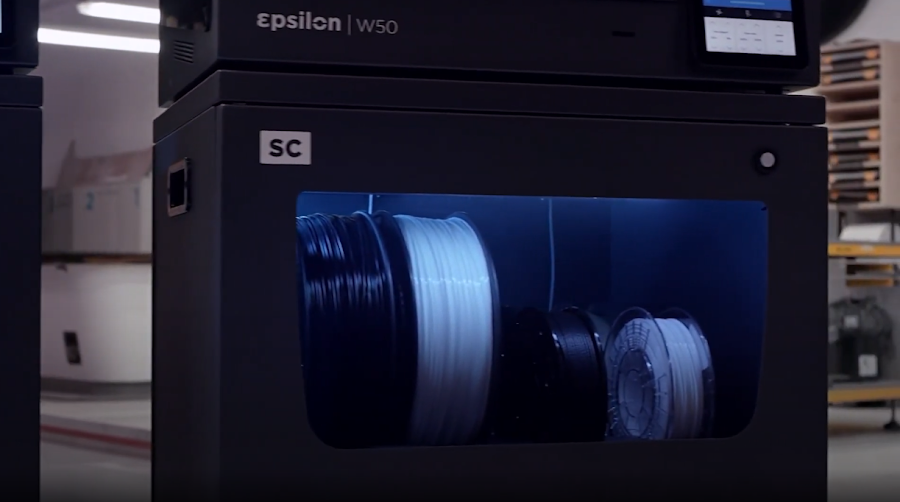 To keep your filament contained and your BCN3D printer running at peak performance, the Smart Cabinet has it all.