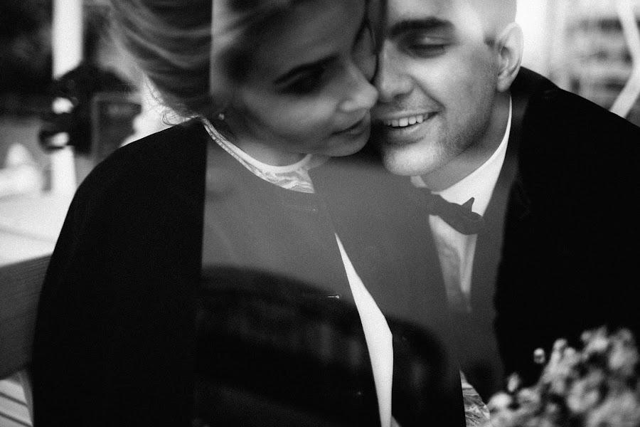 Wedding photographer Vasiliy Tikhomirov (BoraBora). Photo of 30.09.2015