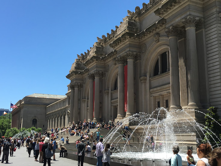 Blue skies and fountains at the Metropolitan Museum of Art.