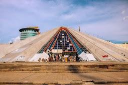Пирамида Энвера Ходжи