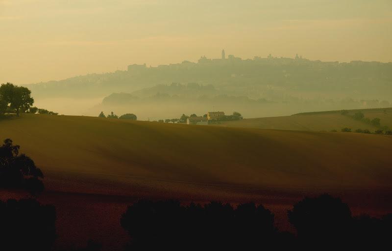 Le colline e il velo autunnale di gianluca_nicoletti