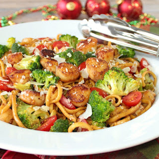 Linguine with Caramelized Scallops and Broccoli for #FeastOfTheSevenFishes.