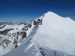 Photo: Od tu naprej sva sama. Sestop na drugo stran Castorja, pogled nazaj proti vrhu