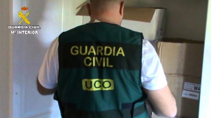 Un agente de la UCO.