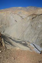 Photo: Aux 2/3 du couloir pierreux, vue plongeante sur le canyon de la Namta khola