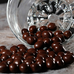 choco candy from glass by Ismed  Hasibuan  - Food & Drink Candy & Dessert ( chocolate, candy, food, pouring, glass )
