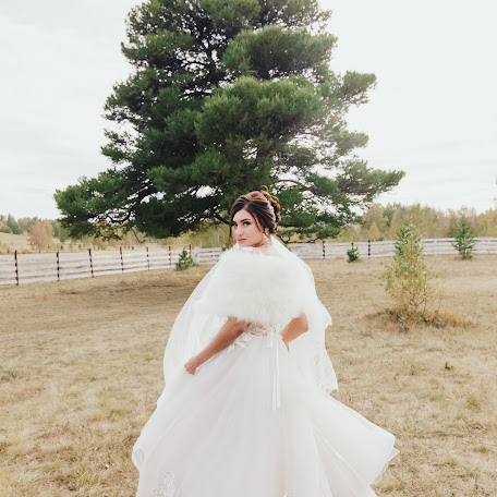 Wedding photographer Yana Yanieva (yanabluejeans). Photo of 27.11.2017