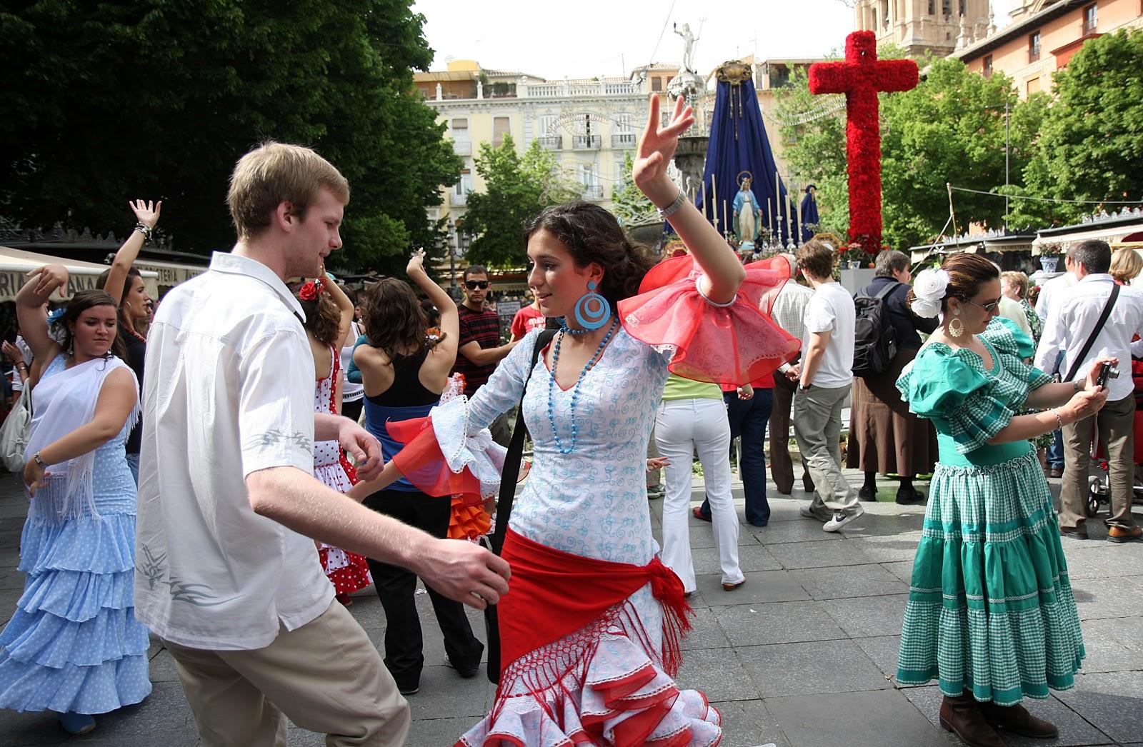 La fiesta de las Cruces en Granada
