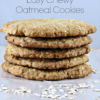 Easy Chewy Oatmeal Cookies.