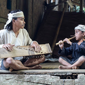 Local Musician by Basuki Mangkusudharma - People Musicians & Entertainers