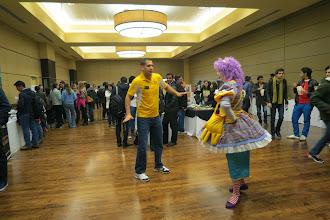 Photo: Community fair, missä järjestöt esittäytyivät