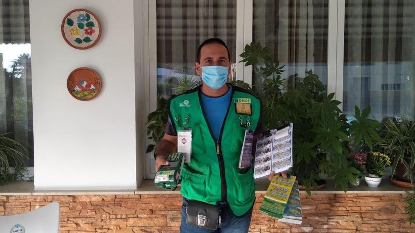 Pedro Antonio Morata, vendedor de la ONCE que ha repartido la suerte.