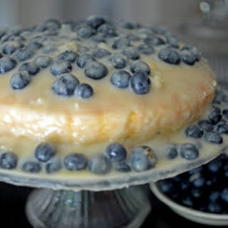 Blueberry Cake with White Chocolate Pudding Icing.
