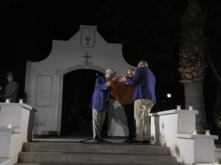 Regalo para don Ramón Garrido. Foto de Andy Arche.