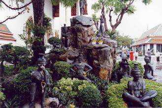 Photo: #015-Wat Pho (Le temple du Bouddha couché)-Bangkok