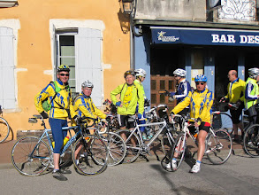 Photo: Audax 200 km du Pépère Club - arrêt à Pont de Veyle - 01/04/2012