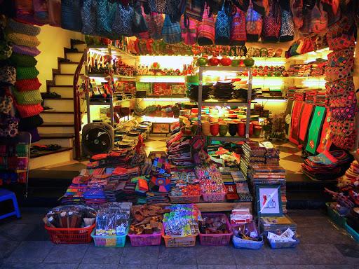 vietnam-handicrafts-shop.jpg - A beautiful shop selling handicrafts in a small Vietnam village at dusk.